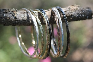 show the love bangle