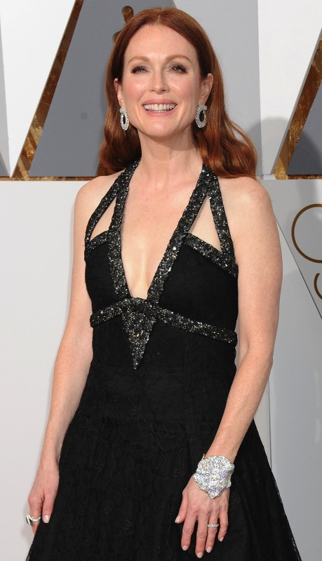 Julianne Moore in Chopard DIamonds